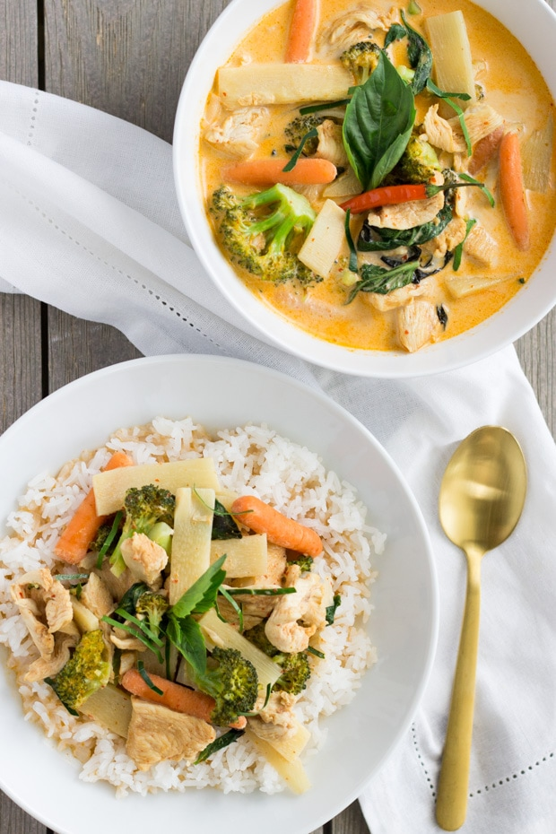 Thai Red Curry Chicken- thaicaliente.com