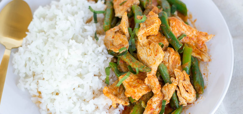Pad Prik Khing Stir Fry Red Curry thaicaliente.com