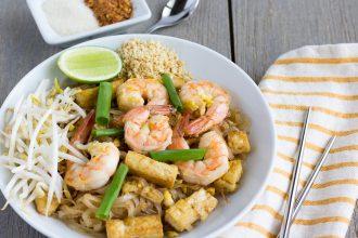 Pad Thai with Shrimp and Tofu- thaicaliente.com