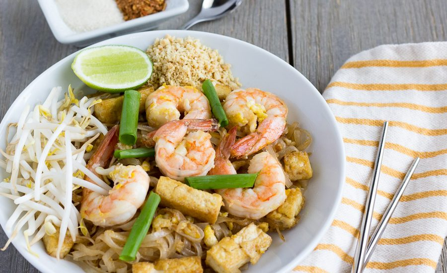 Pad Thai with Shrimp and Tofu- thaicaliente.com