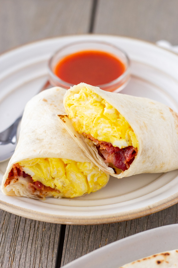 Bacon Egg Cheese Burritos- Tips for Crispy Bacon and Soft Scrambled Eggs on ThaiCalliente.com