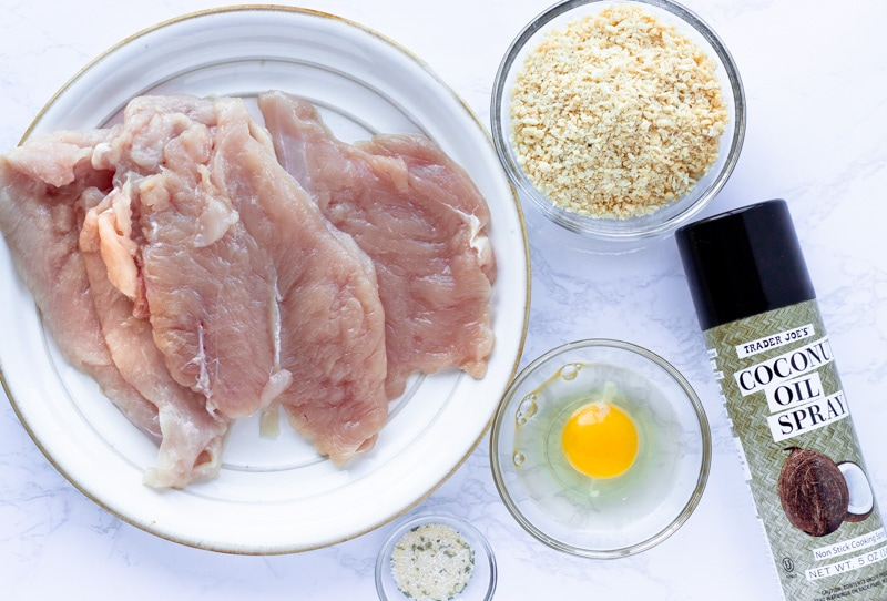 List of ingredients for baked chicken milanesa.